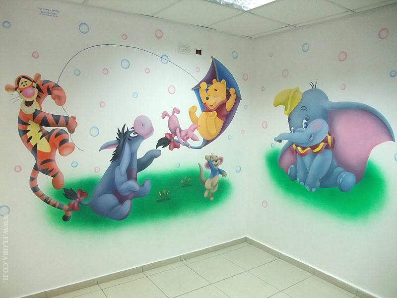 Художественная роспись стен холла